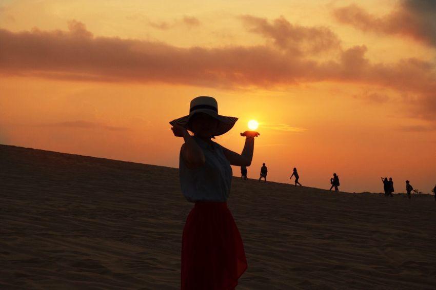 Art Is Everywhere Sunset Followthesun Sunlight And Shadow Peaceful Moment