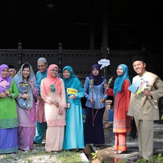 PKK photoshoot Raya Raya Ukm Syawal Ramadhan Puasa Inibaru raya Eid Eidmubarak Aidilfitri 2015  Photoshoot Rayasakan Raya2015 Family Pkk Eid2015 Like4like Likeforlikes Aidilfitri2015
