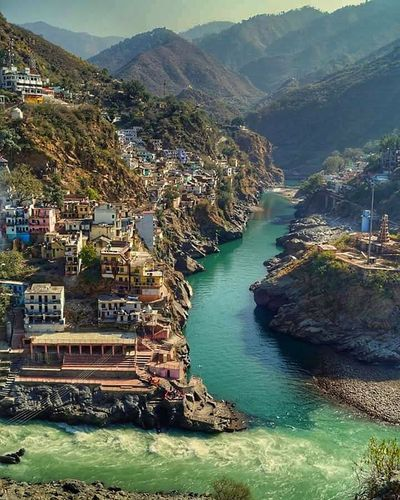 Devprayag,India The place where two river namely bhagirathi and alaknanda meet to form the mighty ganga. Taking Photos India Incredibleindia Northindia Devprayag Nature_collection Nature Photography Naturelovers Nature Landscape_Collection Landscape_photography Ganga Likeforlike Like4like Followme Follow4follow Followforfollow