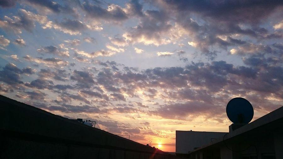 Mas para coleccion de Nubes Amanecer Abril Querétaro Mexico Meencanta Sol Desdecasa Desde Mi Ventana...
