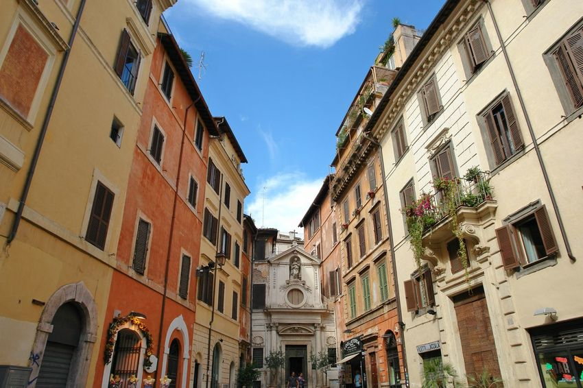 Architecture Building Exterior Built Structure City Cloud - Sky Day Low Angle View Old Town Outdoors Rome Sky Taking Pictures Tourism Tourist Attraction  Travel Destinations