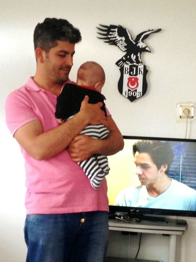 Kartal Bebekim👶 Mutluluk 💕💕💕💕 Father Only Men Adult Family With One Child Mature Adult Men Mid Adult Mature Men Mid Adult Men People Indoors  Family Togetherness Casual Clothing Technology Standing Adults Only Bonding Day