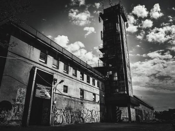 The Architect - 2016 EyeEm Awards Panasonicgx7 Graffiti B&w Street Photography WarsawCity Smoke Weed Japan Lens Grafitti Buildings & Sky Skylovers Building Eyem Gallery Eyem Best Shots - Black + White Eyemphotography