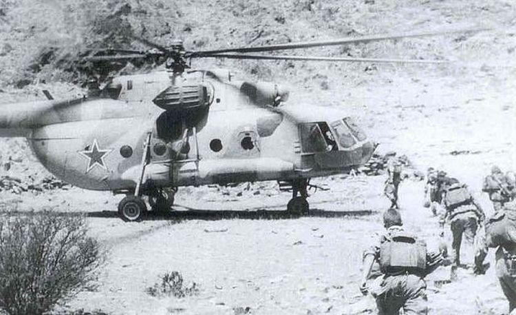 афганистан 35mmfilmphotography 35mm Film 1986 Military Airplane Black & White Udssr AFghanistan Mi-8