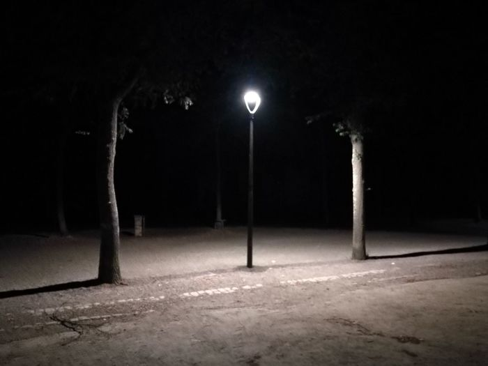 Last hope... Night Illuminated Street Light Spotlight Outdoors France🇫🇷 Nantes Still Alive Meeting Place Island Lights Darkness And Light Darkness Is Coming Huawei P9.