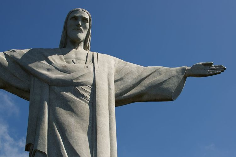 Christ the Redeemer Statue - Rio de Janiero Religion Sky Nature Scenics Statues Statues And Monuments Christ The Redeemer Landmark Landmarks Landmarkbuildings Religious  Religous Icons Religious Architecture Brazil Rio De Janeiro Rio De Janeiro Eyeem Fotos Collection⛵ Rio De Janeiro, Brazil Rio De Janeiro Brasil Photos Official EyeEm © Monument Standing Tall Standing Tall & Proud Representation People Tourism Destination Tourist Attraction