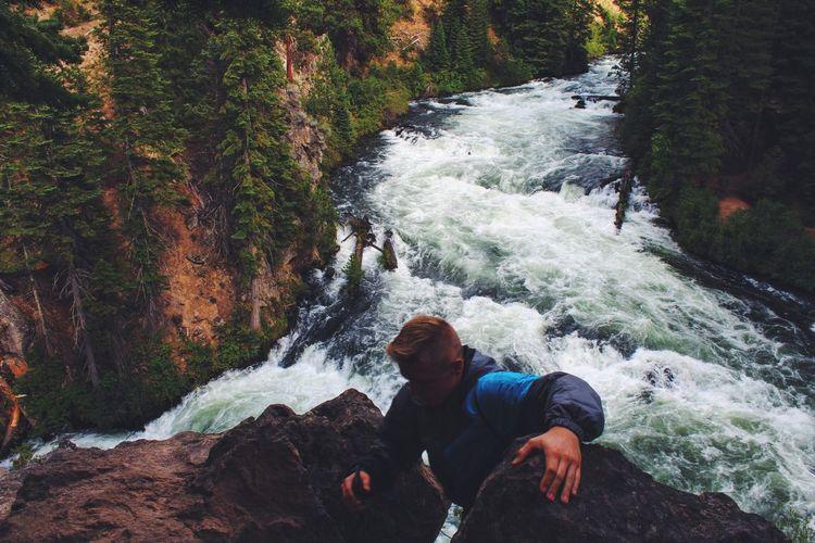 don't slip Cliff Climbing Hiking Hikingadventures Oregon Water Rapids Scary EyeEm EyeEm Best Shots EyeEm Nature Lover