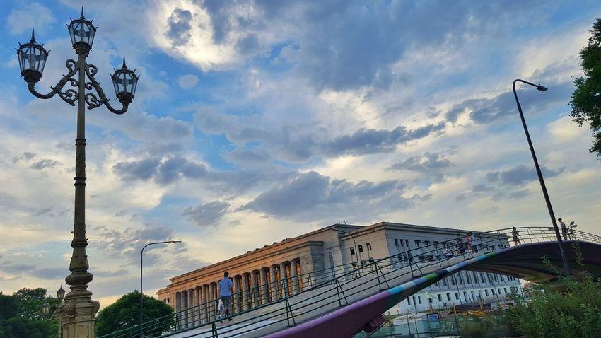 El puente. Bridge Puente Lines Sky Skyporn Nubes Farol Lawschool Facultaddederecho Facultad Arquitecture Arquitectura Building Cityscapes