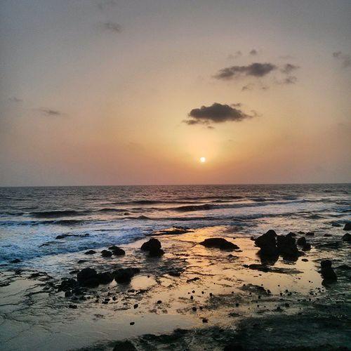Sunset_madness Ladghar_beach Konkan Arabiansea Picoftheday Instalike Instagood Igasia Maharashtra Beachlife