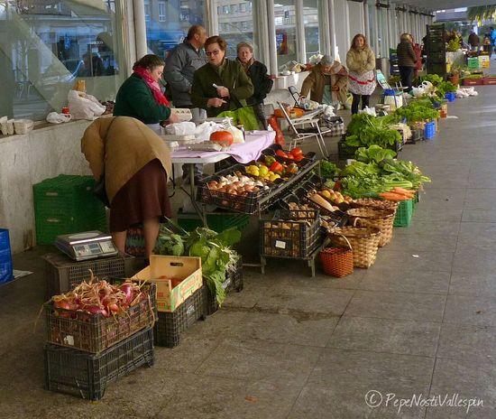 Streetphotography Streetmarket Real People Outdoor Photography Poladesiero Pola De Siero