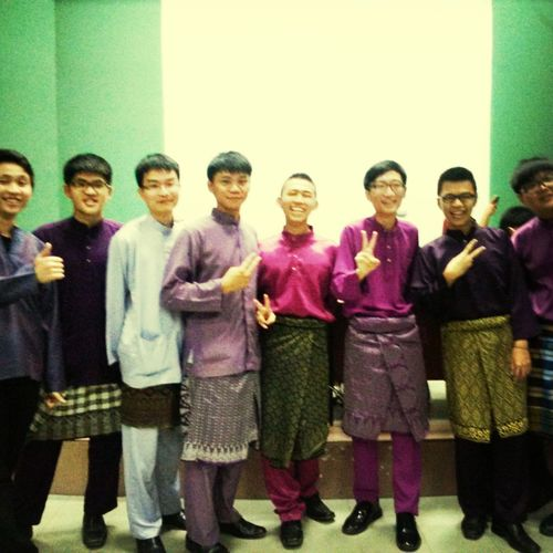 Last day of Kuliah! Chinese boys in Baju Melayu Kmns Chinese Boys