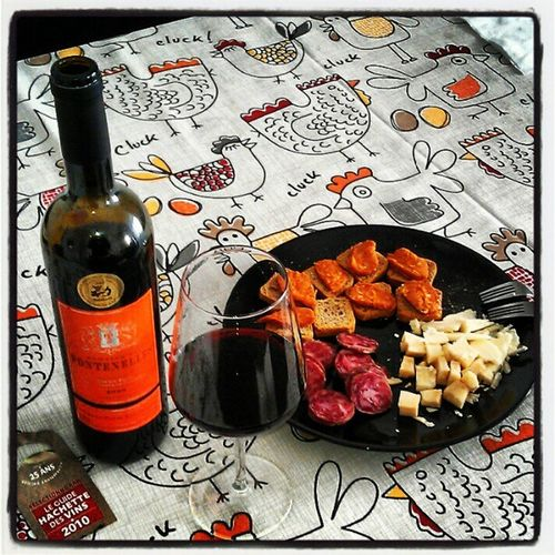 #queso de ovejas, #salchichon ibérico, #patatera extremeña. Con #wine #vino Domaine de #Fontenelles 2008. #Languedoc. #France. France Wine Vino Queso Languedoc Salchichon Patatera Fontenelles