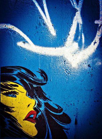 TheWorldNeedsMoreYellow Streetart stencil
