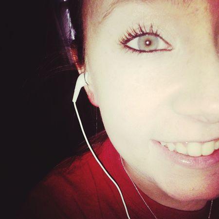 My eyes r pretty what yall think Rogers Girl 479raised Countrygirl Greeneyes Blueeyes <3 Blameitallonmyrootsishowedupinboots