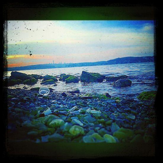 Beykoz Beykozsahil Beykozkorusu Marmara #marmarasea #istanbul #anadolu #friends #deniz #sea #denizkabugu #meerschaum #lagoon #stone #dalga #wave #yosun #green #moss #mossystone #nice #blue #gokyuzu #bulut #cloud #tarihi #historical #mavi