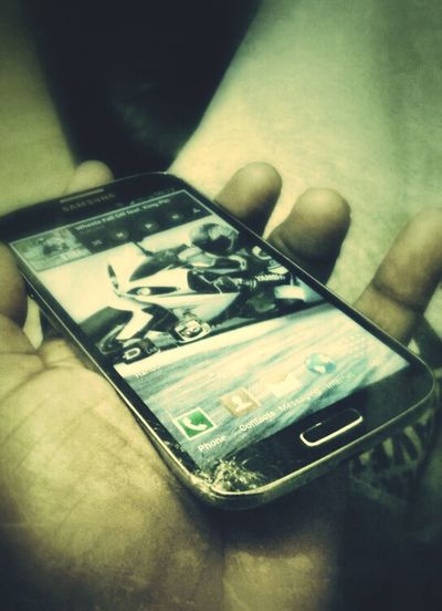 only 4 days new...I feel it for u man Mobile Love Samsung Galaxy S IV