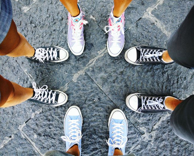 The cross Shoes Converse All Star Chuck Taylor Converse Symmetry Four Legs Four Style Colours Eight Four Pairs Cool