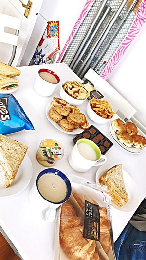Afternoon tea with friends Plate Food And Drink Food Breakfast Ready-to-eat Meal Table Serving Size Bread Indoors  Gourmet Baked Indulgence Healthy Eating Coffee - Drink Freshness Sandwich Sweet Food Croissant French Food