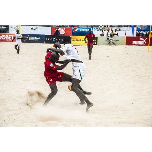 Rule 2 in defending: Never Let Your Opponent Get Past You. @Copalagos @myfcmb FCMBCopaLagos CopaLagosBeachSoccer2014 LifeOfaCameraGuy iamEdAce