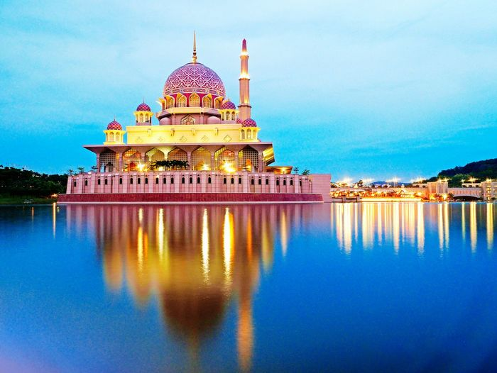 Reflection Dome Sky Architecture City Travel Illuminated Dusk Travel Destinations Igniting Business Finance And Industry Government Place Of Worship Cloud - Sky Building Exterior No People Water Night Cross Section Outdoors Mosque Putrajaya View Landscape