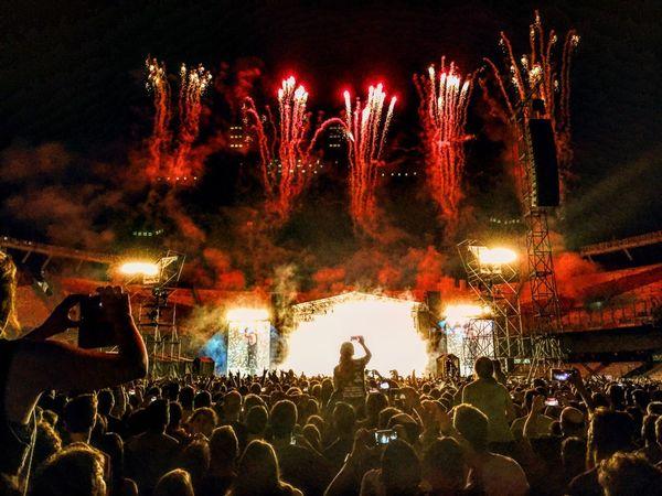 Guns N' Roses Buenos Aires River Plate Concert Fireworks