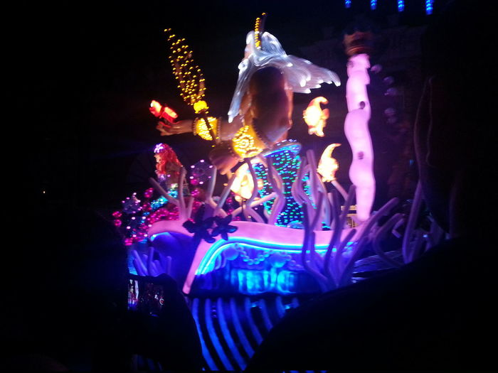 Paint the Night parade Disneyland 60thanniversary Diamond Celebration
