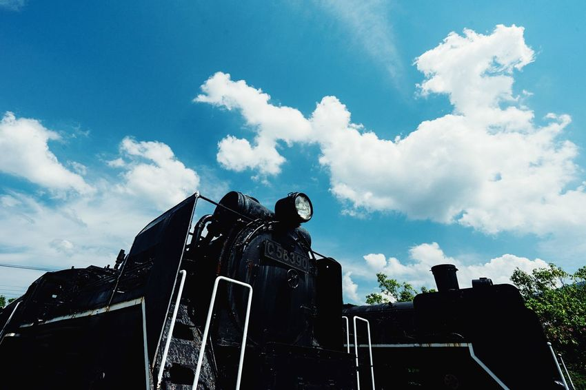 Stopping Time Summer Sky And Clouds Blue Sky Black Locomotive Engine Low Angle View Cloud - Sky Blue Sky Travel Train Photography Old Train Ruined Japan Photography Atomosphere September September 2016 Train TakeoverContrast