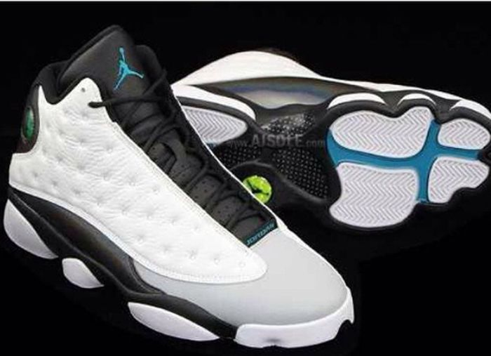 October 25th I can't wait I'm rey get these Saturday Need Hurry Up I'm too hype!!!