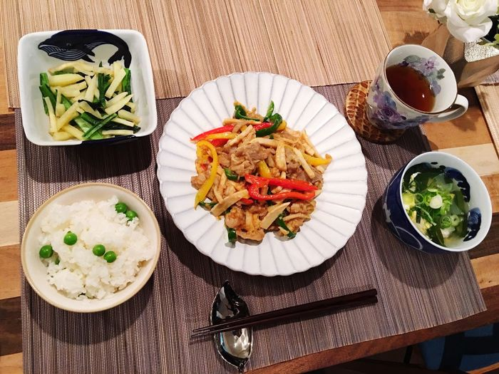 Today's Dinner 青椒肉絲 ジャガイモと小松菜の中華炒め ニラ玉鶏肉スープ ChinjaoRosu Potatoes Komatsuna Leek And Egg, Onion, Chicken Chinese Soup Healthy Eating Ready-to-eat Indoors  Food Porn Foodporn SoDelicious 豆ごはん Greenpeace