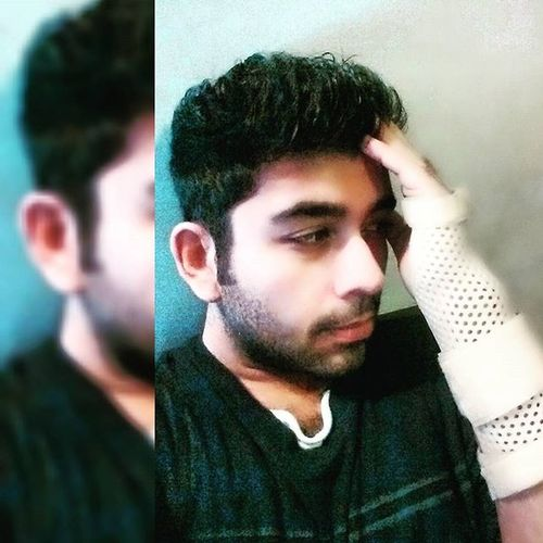 Injured Notexpectedatall Theregoesmyworkout Notagain sadbuttrue wristband arrghhh hairspikes beardgrowing intense downfall grounded angry instamood restmonth nothappyatall weightlifting heavyweights nopainnogain painful instapic picoftheday beard intenselook