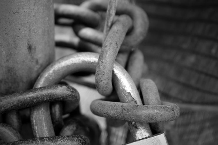 Attached Blackandwhite Chain Close Up Close-up Closed Connection Detail Exceptional Photographs Extreme Close-up EyeEm Best Shots EyeEm Best Shots - Black + White EyeEmBestPics From My Point Of View Iron - Metal Lock Locked Maximum Closeness Metal Metallic Outdoors Perspective Rusty Solid Strength