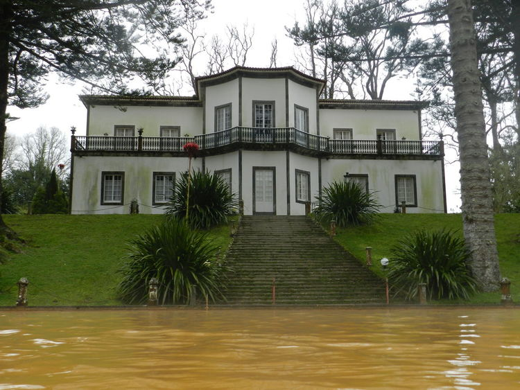 Botanic garden Terra Nostra nearby Furnas @ Azores (S. Miguel) Azores Azores Islands Botanic Garden Furnas Furnas(Azoren) Terra Nostra Park Architecture Azores, S. Miguel Building Exterior Built Structure City Day Grass House Nature No People Outdoors Residential Building Sky Tree Villa Water