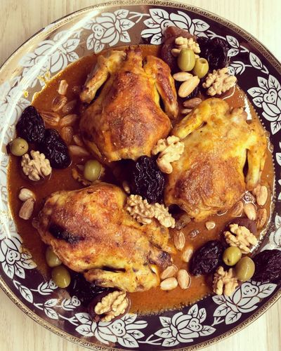 This is you we do 🇲🇦💁🏻♀️ #Geneva #homesweethome Tajine Morocco Traditionnal Food And Drink Ready-to-eat Indoors  Close-up No People