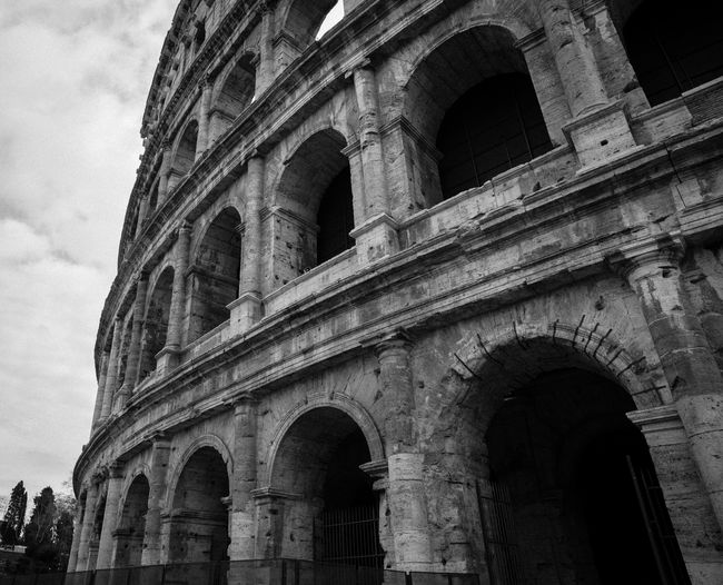 Colosseo Italia Architecture B&w Black And White Building Exterior Built Structure Colosseum History Italy Travel Destinations