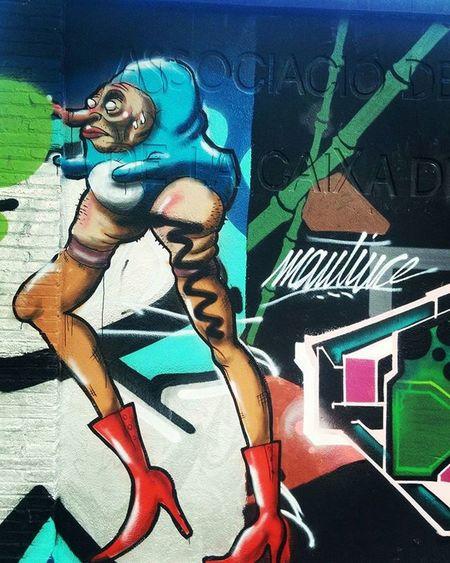 Streetart Streetartbcn Streetartbarcelona Barcelona Barcelonastreetart Bcn Bcnstreetart Tv_streetart Rsa_graffiti Graffiti Instastreetart Instaphoto