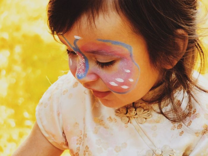 When I see you, I can feel your happiness 💖 Little Girl Portrait Portrait Of Love Portrait Of Innocence EyeEm Best Shots - People + Portrait EyeEm Best Shots - Macro / Up Close Butterfly Bodypaint Happiness Picturing Individuality Women Who Inspire You The Portraitist - 2016 EyeEm Awards Girl Power