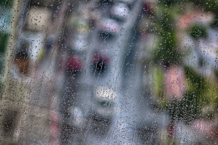 Heavy traffic on rainy day Glass - Material Window Wet Full Frame Rain Transparent Water Drop Nature Backgrounds Day RainDrop Close-up Rainy Season City Glass Car Road Street Brazil