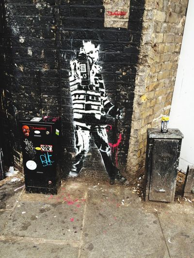 London Lifestyle Building Exterior City Built Structure Day Detail Stone Wall city art Graffiti Art graffiti Graffiti & Streetart