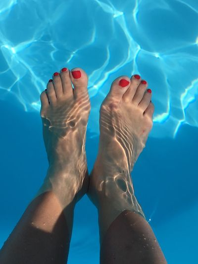 Blue Barefoot Summer Water Swimming Pool Water_collection Underwater