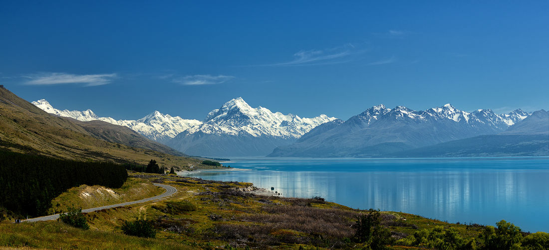 Scenic view of lake pukaki and snowcapped mountains