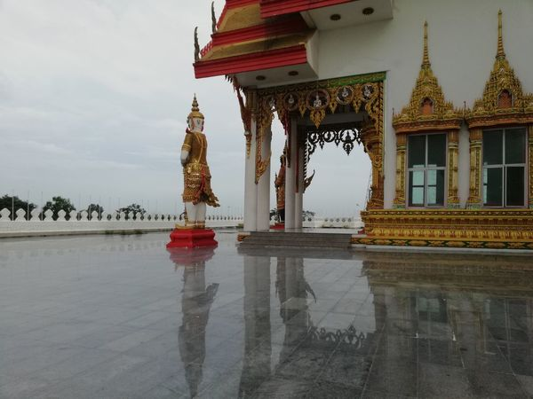 Reflection Thai Temple BUDDHISM IS LOVE Thai Culture City Tree Water Royalty Red Politics And Government Place Of Worship Tradition Sky Architecture Pagoda Buddhist Temple Buddhism Palace Historic Temple - Building