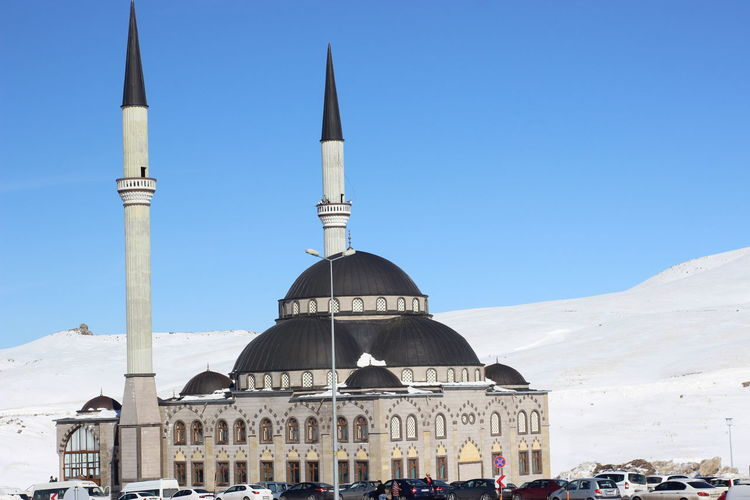 OnlyMyPhotos Winter Architecture Building Exterior Built Structure Day Dome Mosque Muslim Mydays No People Outdoors Place Of Worship Religion Sky Snow Sunlight Travel Destinations