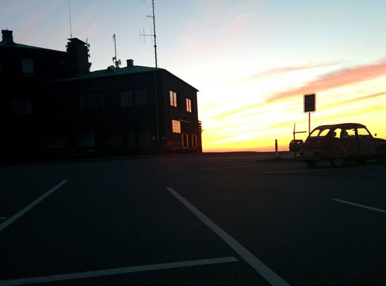 Sunset Beautiful Sun ☀ Sun Red Yellow Old Car Ente EyeEm Best Shots House Old Köterberg Love Kreativ Romantic Clouds Windows