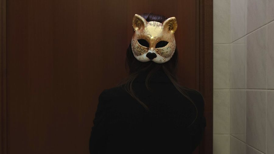 You'll see just what you want to see Mistery Creepy Gold Photography Selfportrait Me Women Mask - Disguise Disguise Hiding Mystery Eye Mask One Person Humor Looking At Camera Venetian Mask Portrait EyeEmNewHere