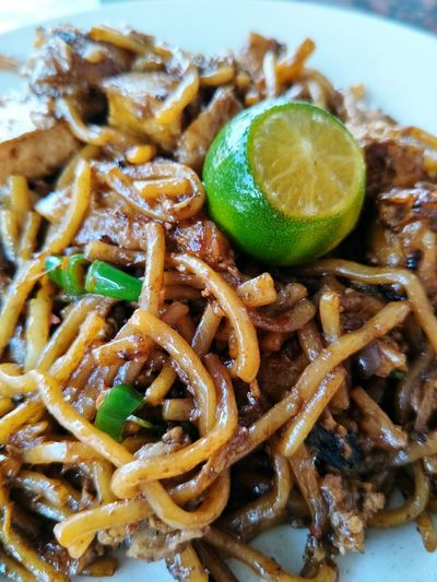 Mee goreng mamak Malaysia Malaysian Food Malaysian Food And Drink Mee Goreng Malaysian Mamak Fried Mee Delcious Spicy Food Food And Drink Food Ready-to-eat Healthy Eating Indoors  Freshness Close-up Plate Serving Size