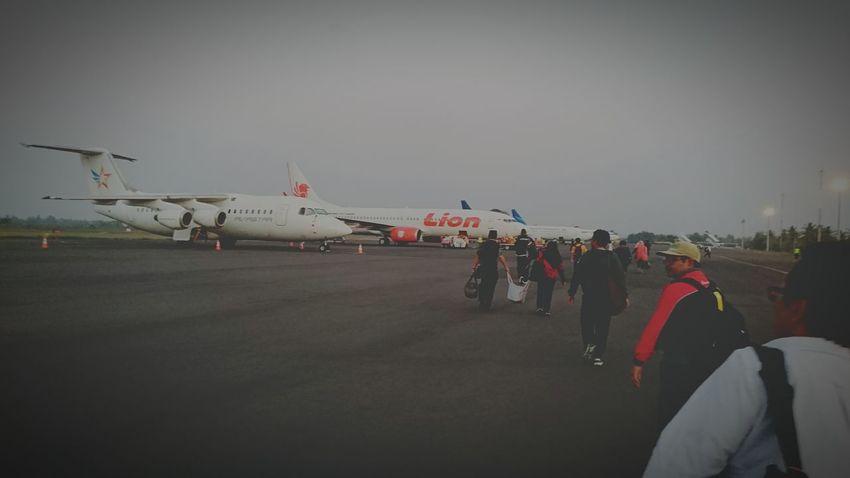 Catching A Flight Boarding Last-minute Flight Sony Xperia Z3+
