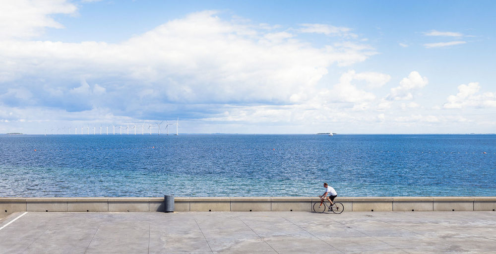 Bycicle Cloudporn Clouds And Sky Danmark Dänemark Garbage Can Horizon Over Water Køge One Person Sea Sea And Sky Seaside Sky Stadt Street Street Photography Streetphoto Streetphotography Tranquil Scene Urban Urban Exploration Urban Geometry Urban Landscape Urbanphotography Wind Wheel