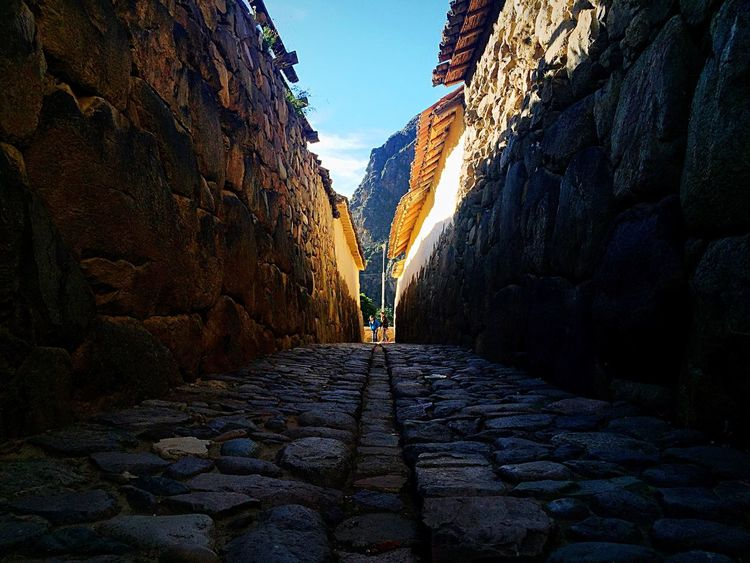 Ollaytantambo. Narrow Street Ollantaytambo - Peru Stone Road Stepbystep Stone Wall Inca