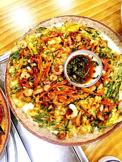 어제까지는 비가 왔습니다. 오늘은 날이 참 맑네요. 비온 날은 전과 함께, 비 갠 후에는 무얼 먹는게 좋을까요? Hello World Korea Daejeon Yuseong Food Jeon Rain Sunny