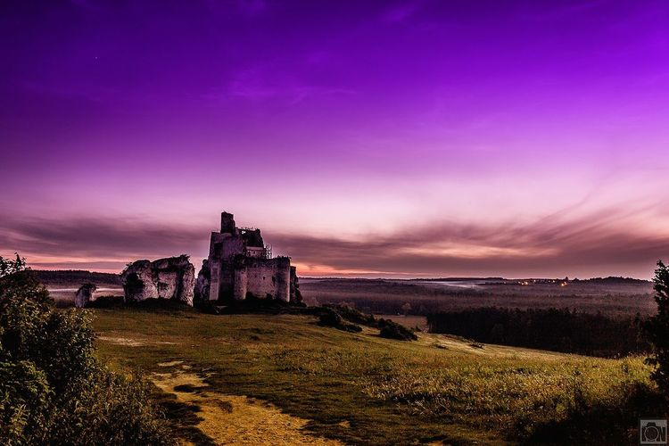 Night Architecture Beauty In Nature Sunset Outdoors No People Nature Sky Landscapes Nature Grass Live For The Story Castle Ruin Castle Mountain Nightphotography Dusk Colours Dusk